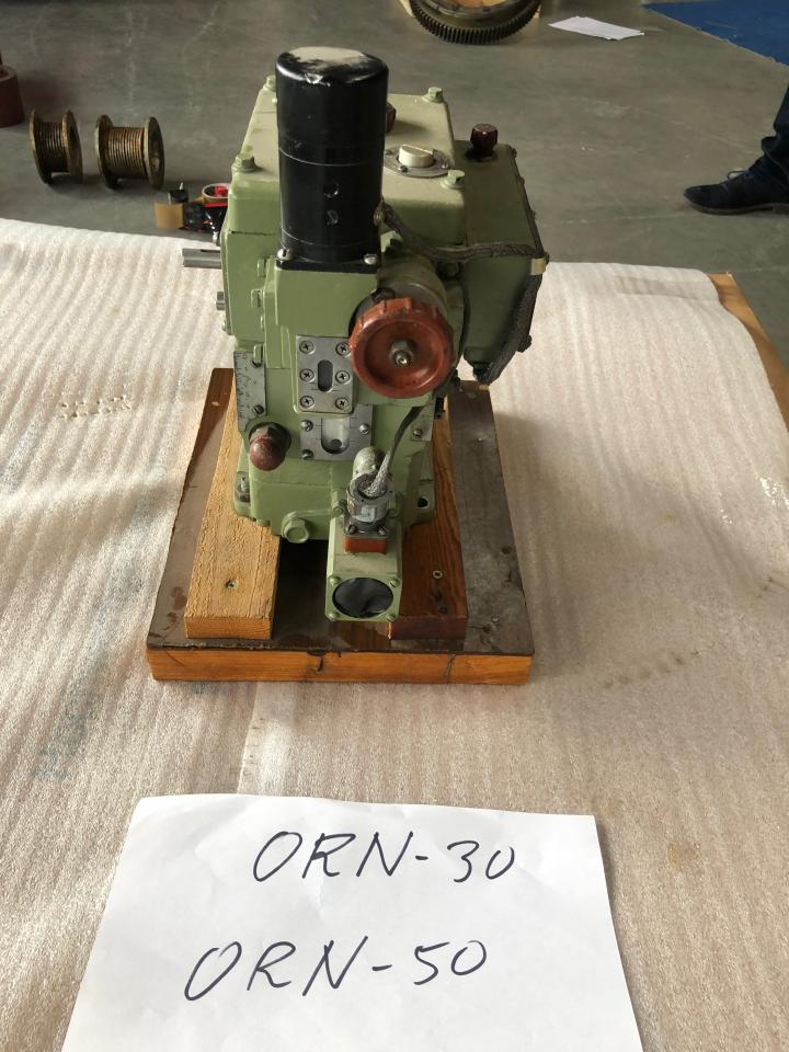 governor ORN-30 / ORN-50 for VD 26/20 and NVD 48 A2/A3 used, in good condition, dismantled from running engine front view